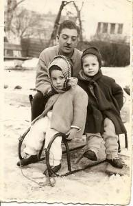 Prin cartiere-- la sanius in Schei 1957